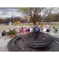 Детский сад «Вундеркинд» возлагает цветы